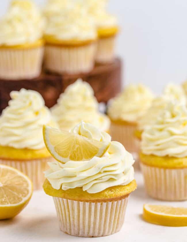 lemon cupcakes with lemon slices