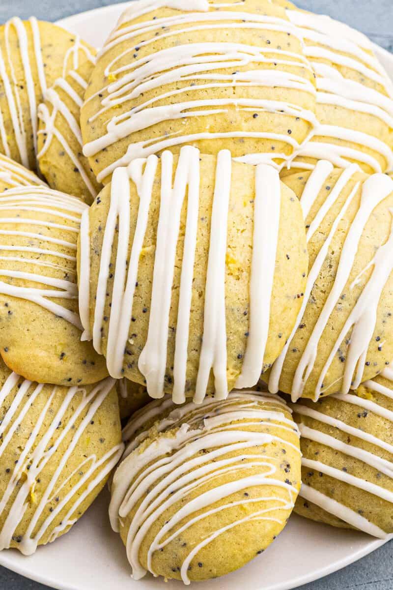 up close lemon poppy seed cookies