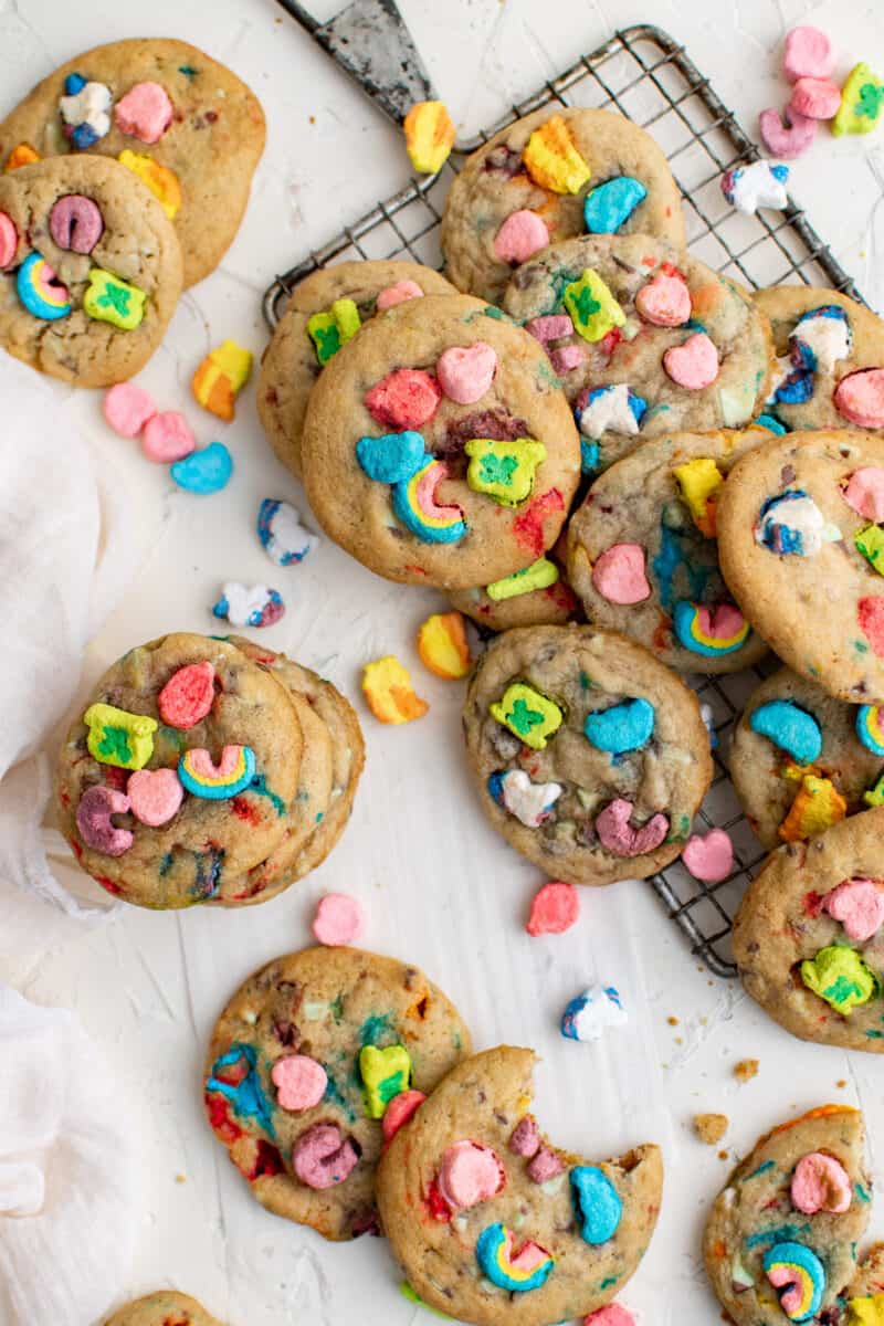 lots of lucky charms cookies