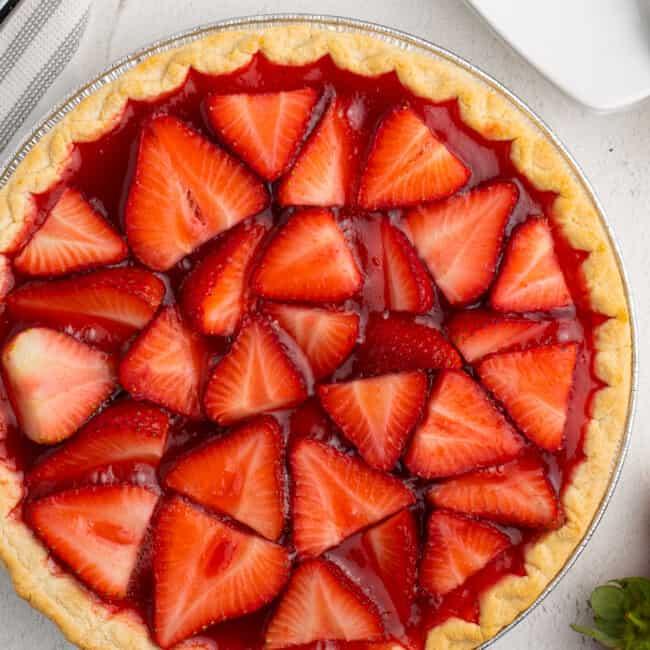 overhead image of strawberry jello pie