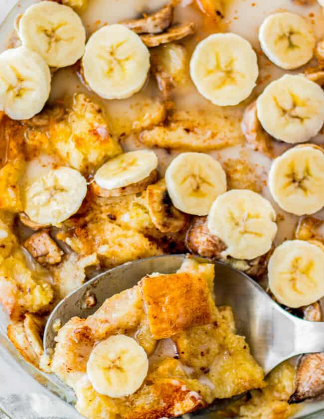 up close banana bread pudding with serving sopon