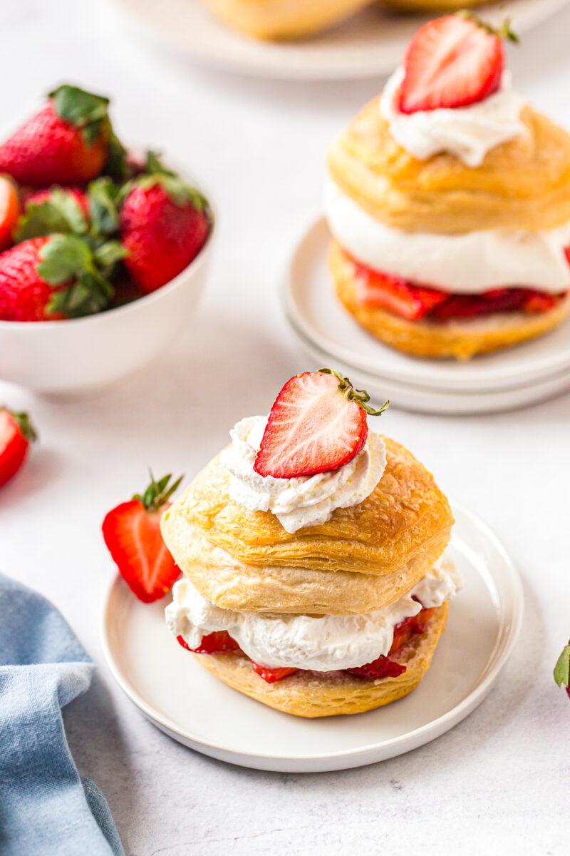 strawberry shortcake garnished with sliced strawberries