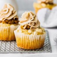 featured apple pie cupcake
