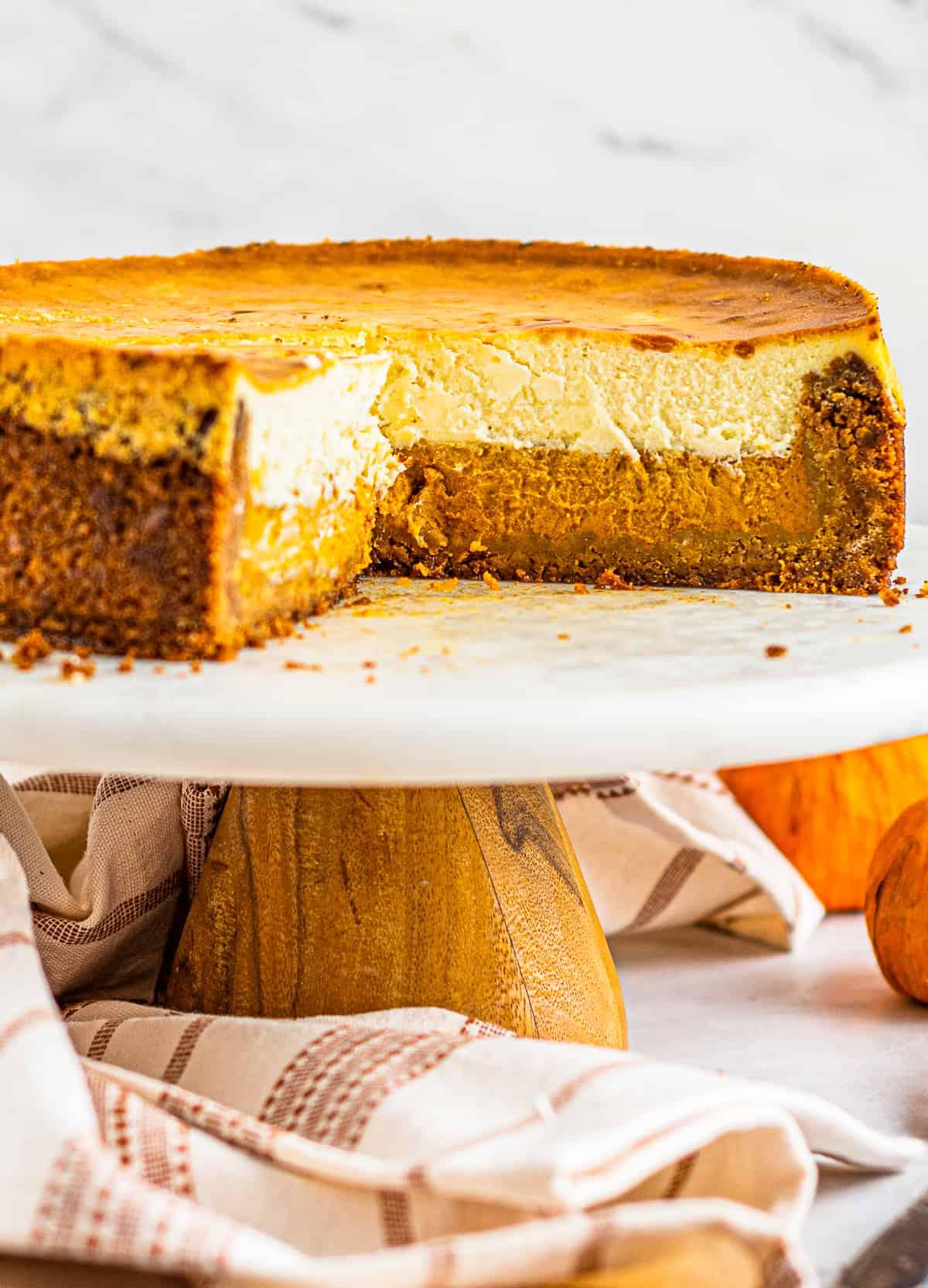 inside of pumpkin pie cheesecake